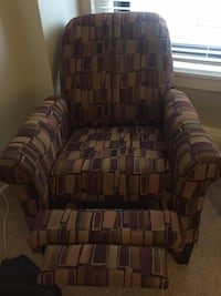 2 Lay z boy recliners Chicago, 60657