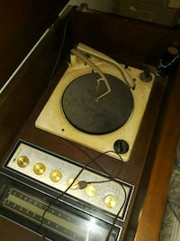Vintage turntable in cabinet Chula Vista, 91911