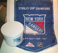 New York Rangers NHL Collectible Tin Banner and 2 Toques  London