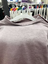 gray and white crew-neck shirt Fairfax, 22033