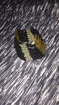 Black and gold-colored bracelet Ottawa, K2B 7T5