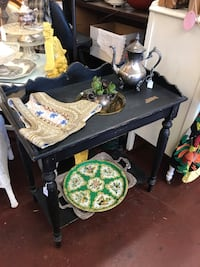 Black Table With Bowl Fallbrook, 92028