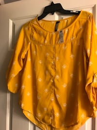 Brand new yellow shirt Frederick, 21701