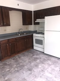 APT For rent 2BR 1BA Brookfield