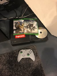 Xbox one console with controller and game case Fairview Park, 44126