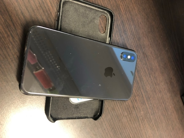 Iphone X 64GB. MINT CONDITION