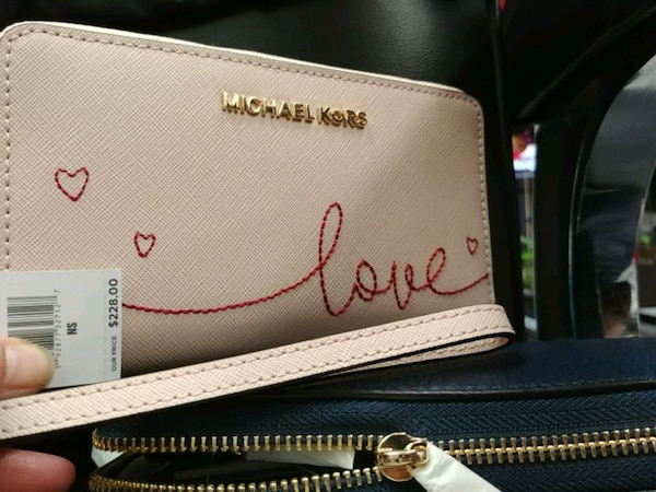 Original and new wallet mk and kate spade for sale 458be792-0406-42af-ab27-5a3a42d5b6a0