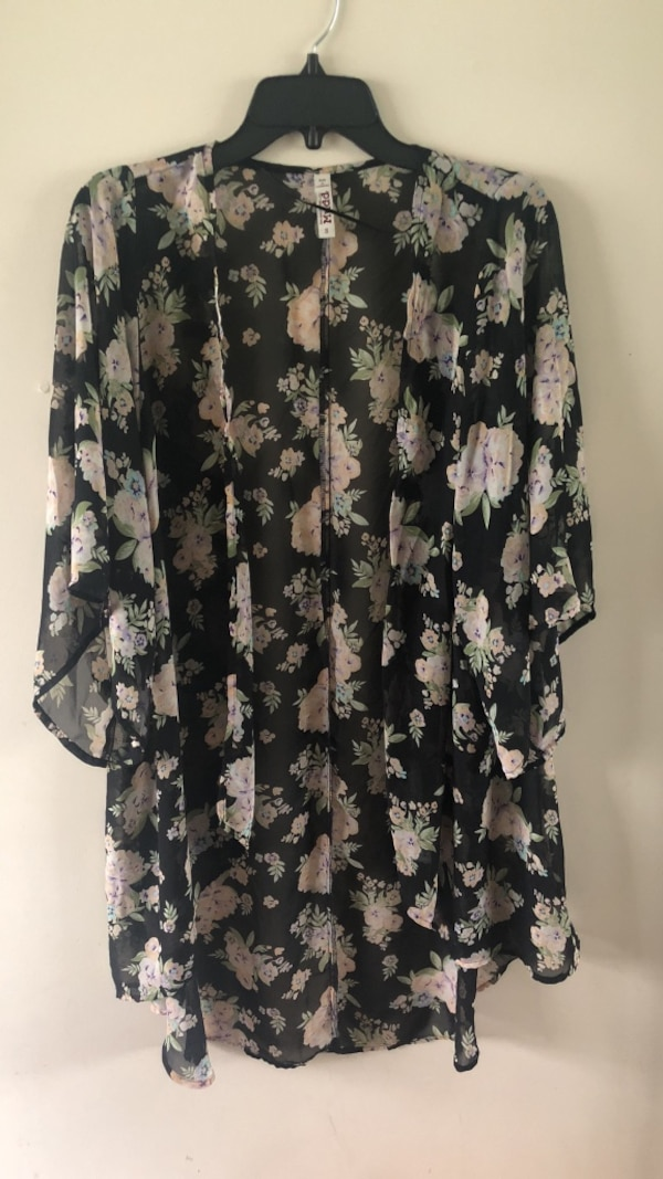 6b75e5f5 Used women's black and pink floral blouse for sale in McDonough - letgo