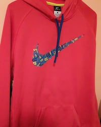 Large Nike sweater  Fort Erie, L2A 2T4