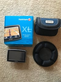 Tom Tom GPS with case and mounting pad Alexandria, 22304