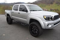 is a 2006 Toyota Tacoma 4x4 4.0 V6! Up for sale Halifax