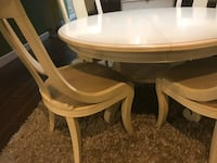 Dinning table with 4 Chairs & extension Surrey, V3W 3M2