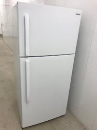 Insignia Fridge / Freezer (delivery included)