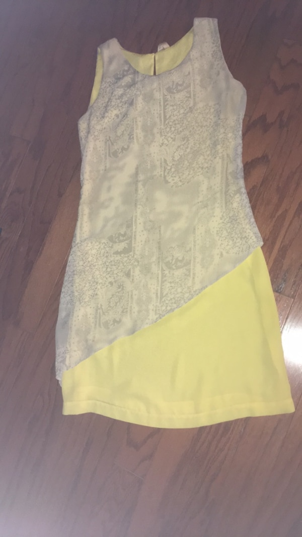 women's white and yellow sleeveless dress