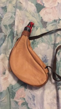 brown and black leather sling bag Торонто, M6M 2E5
