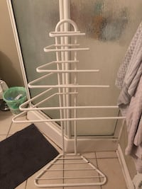 Towel stand Laval, H7X 0A9