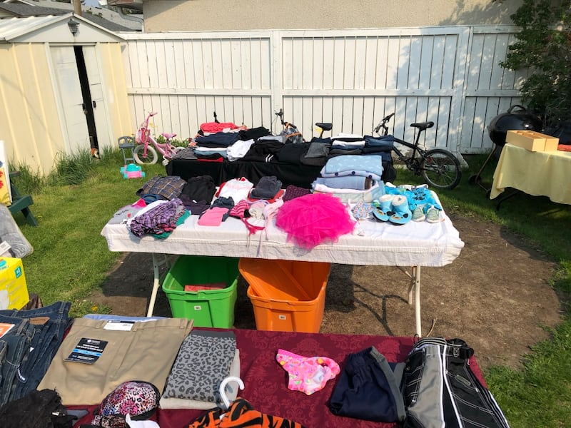 GARAGE SALE 49243db9-2783-43e2-afb4-6655ef4f9957