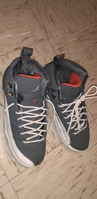 pair of gray Air Jordan basketball shoes Fort Campbell, 42223