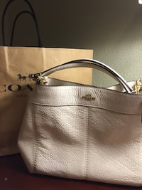 NEW COACH (without tags) Lexy Hobo Shoulder Handbag #F23537 San Antonio
