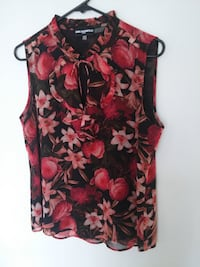 new LAGERFELD PARIS Floral Blouse M Burnaby