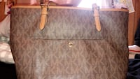 brown leather Michael Kors tote bag Manchester, 17345