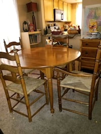 Dining Table & 5 Chairs Las Vegas, 89145