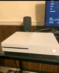 Xbox one S 500GB working fine for free  Baltimore, 21202