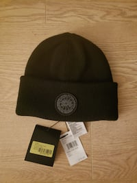 BRAND NEW CANADA GOOSE black on black toque