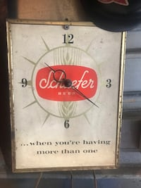 Schaffer Beer wall clock Essex, 21221