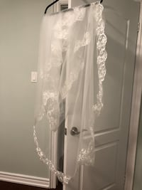 Lace Wedding Veil Toronto, M2H 1K8