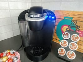 Keurig K-Classic Coffee Maker, Single Serve K-Cup Pod Coffee Brewer, 6