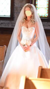 Designer wedding dress - pronovias Falls Church, 22042