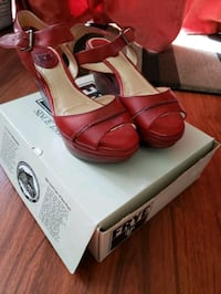 Frye women's wedge sandals size 9 (burnt red)