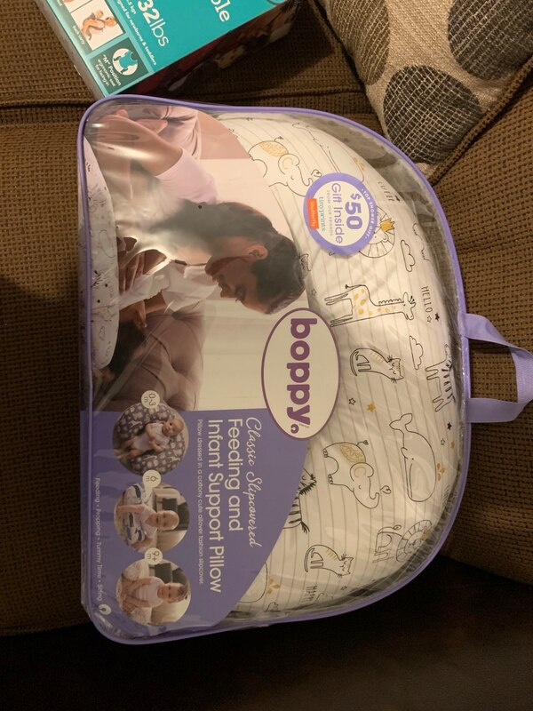 Bopping feeding and infant support pillow 1f3d1fe8-53fe-4013-a378-06a5798f7cfb