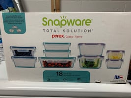 Snapware PYREX glass container