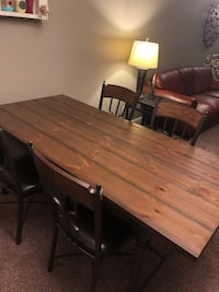 Dining Table and Chairs Omaha, 68142
