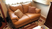 Loveseat  (leather) Gaithersburg, 20882