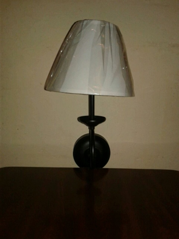 Battery Operated Wall Lamp