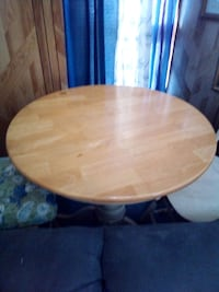 round brown wooden pedestal table Fall River, 02721