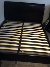 black and white slatted bed frame Repentigny, J6A 4L7
