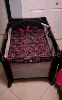 Graco Pack 'n Play On The Go Travel Playard, Ariel   Inver Grove Heights