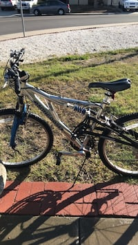 black and gray hardtail bike 2239 mi