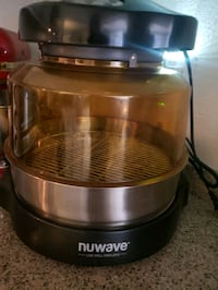 Nu wave oven and all attachments  Las Vegas, 89183