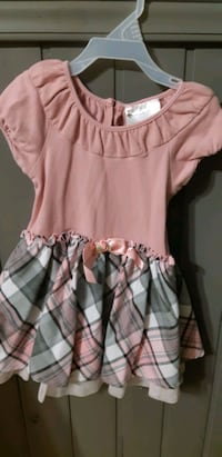 Cute pink and grey plaid dress  Montreal, H4H 2C7
