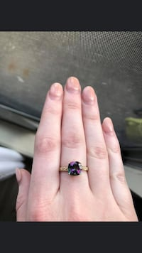 10k mystic topaz diamond ring size 7.