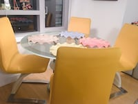 Round glass chrome Dinning table with 4 chairs New York, 10282