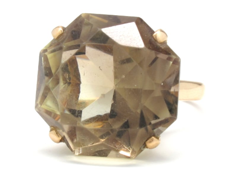 Ladies 18K Vintage Smoked Topaz Ring 711ee962-6d89-4f6a-a341-a567a987fb0a