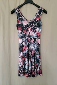 Black & pink skull and flower dress (Medium) Elkridge, 21075