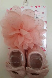 New baby girl shoes and hair band  Woodbridge, 22193