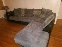Sectional couch MOVING NEEDS GONE ASAP!! Youngstown, 44502